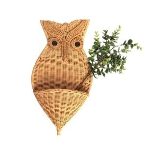 Wicker Owl Wall Hanging with Rattan Basket Planter